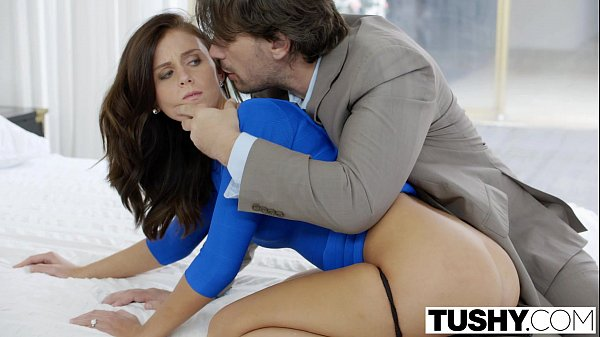 Conto Erotico – Primeiro anal com amigo do marido