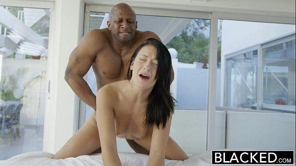 Corno filmando – Sexo anal com a morena safada