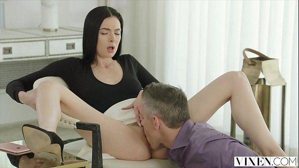 Video de mulher pelada – Traiu o marido com o patrão